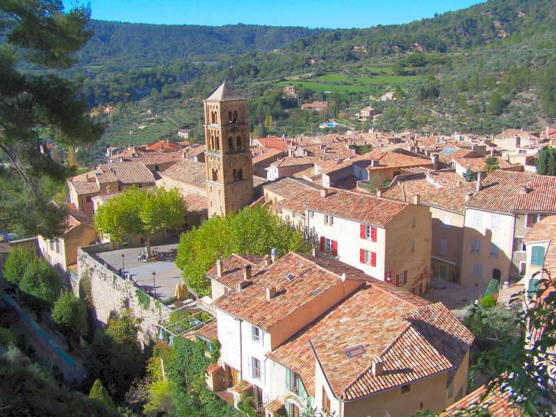 Moustiers sainte marie magnifique village pr s des gorges - Office de tourisme de moustiers sainte marie ...